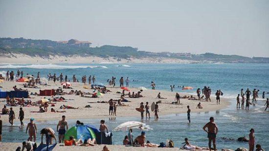 Covid-19: Incumprimento das regras relativas às praias sujeito a multas