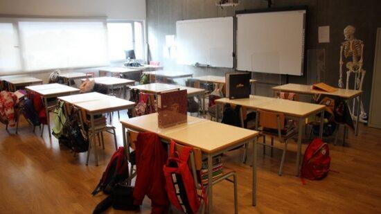Covid-19: Escolas vão manter-se abertas