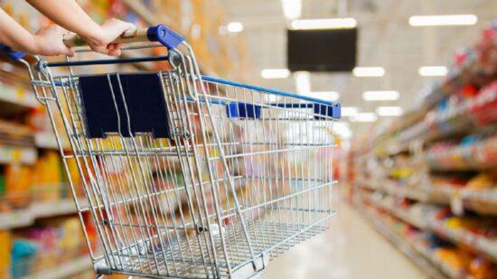 Supermercados e mercearias abertos até às 17h00 nos fins de semana