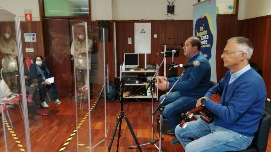 Mais de 400 jovens do Alto Minho aprenderam Canto ao Desafio com Augusto Canário